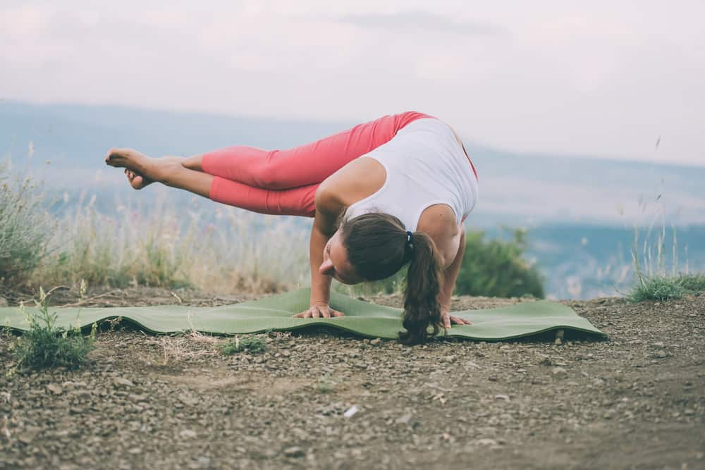 Side Crow pose - Parsva Bakasana