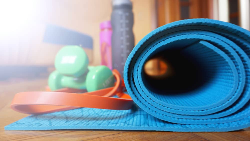 Clean yoga mat with yoga gear