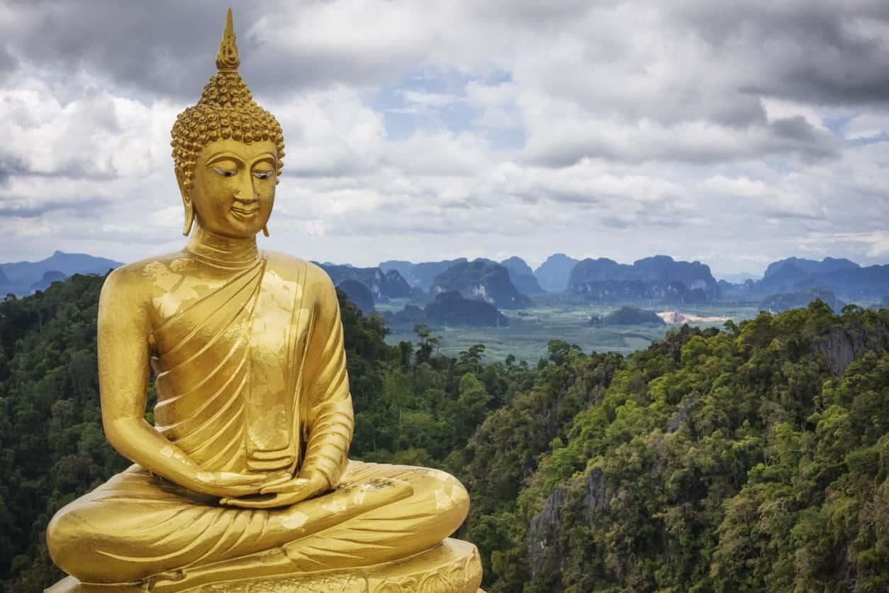 golden statue of Buddah